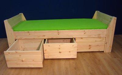 1-p.bed JENNIFER 3 laden met houtknop